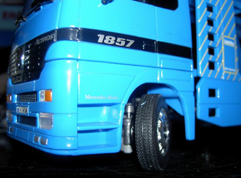 Kyosho Mini Z] Transformation d'une Mini Z en camion porte auto. 07