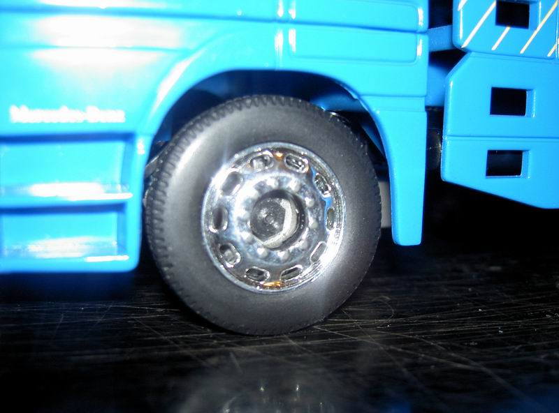 Kyosho Mini Z] Transformation d'une Mini Z en camion porte auto. 08