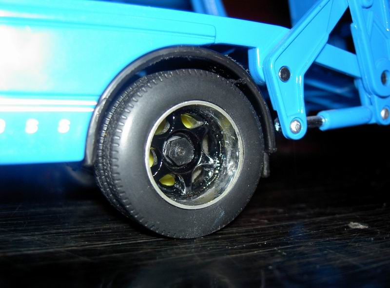 Kyosho Mini Z] Transformation d'une Mini Z en camion porte auto. 09
